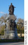 Купить «Памятник Екатерине II (Симферополь)», фото № 26183926, снято 11 апреля 2017 г. (c) Ярослав Коваль / Фотобанк Лори