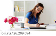 Купить «woman with calculator and notebook at office», видеоролик № 26209094, снято 22 августа 2019 г. (c) Syda Productions / Фотобанк Лори