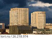 Группа многоэтажных зданий. Современный город. Москва, Юго-Западная. Стоковое фото, фотограф Малахов Алексей / Фотобанк Лори