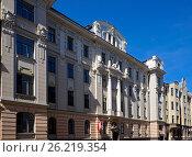 Купить «Жилой дом, декоративный югендстиль», фото № 26219354, снято 4 мая 2017 г. (c) Andrejs Vareniks / Фотобанк Лори