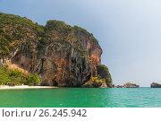 Купить «krabi island cliff at thailand resort beach», фото № 26245942, снято 13 февраля 2015 г. (c) Syda Productions / Фотобанк Лори