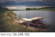 Купить «Деревянный мостик на реке», фото № 26248182, снято 8 мая 2017 г. (c) Валерий Боярский / Фотобанк Лори