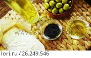 Ingredients green olives, oil, soy sauce and bread. Стоковое видео, агентство Wavebreak Media / Фотобанк Лори