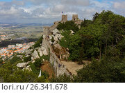 Castle of the Moors in Sintra, Portugal, фото № 26341678, снято 10 мая 2017 г. (c) Лиляна Виноградова / Фотобанк Лори