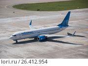 Самолет Boeing 737-8МА авиакомпании «Победа» в Международном аэропорту Сочи (2016 год). Редакционное фото, фотограф Екатерина Лызлова / Фотобанк Лори