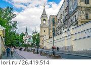 Купить «Улица Забелина в Москве», эксклюзивное фото № 26419514, снято 27 мая 2017 г. (c) Виктор Тараканов / Фотобанк Лори