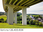 Купить «Bleche village and A45 motorway bridge, Germany, North Rhine-Westphalia, Sauerland, Drolshagen», фото № 26433834, снято 22 февраля 2016 г. (c) age Fotostock / Фотобанк Лори