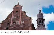 Купить «Time lapse clip,Latvia, Spike the Riga Domsky cathedral against the background of the cloudy sky», видеоролик № 26441830, снято 1 июня 2009 г. (c) Куликов Константин / Фотобанк Лори