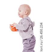 Купить «Toddler boy drinking», фото № 26450234, снято 5 марта 2010 г. (c) Ольга Сапегина / Фотобанк Лори