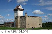 Купить «Time lapse,fortress Narva on the border of Estonia and Russia», видеоролик № 26454046, снято 3 июня 2009 г. (c) Куликов Константин / Фотобанк Лори