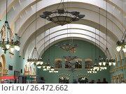 Купить «Kazansky railway terminal ( Kazansky vokzal) -- is one of nine railway terminals in Moscow, Russia. Construction of the modern building according to the design by architect Alexey Shchusev started in 1913 and ended in 1940», фото № 26472662, снято 18 июня 2015 г. (c) Владимир Журавлев / Фотобанк Лори