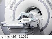 Купить «Пациент внутри МРТ (магнитно-резонансная томография) сканера», фото № 26482582, снято 15 июля 2010 г. (c) Александр Гаценко / Фотобанк Лори