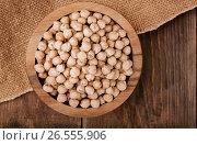 Top view of dried chickpeasl bowl. Стоковое фото, фотограф Антон Стариков / Фотобанк Лори