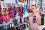 woman choosing leashes, фото № 26561878, снято 22 июня 2017 г. (c) Яков Филимонов / Фотобанк Лори