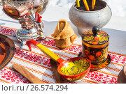 Different products of Russian folk art on the pancake week or maslenitsa, фото № 26574294, снято 21 июля 2017 г. (c) FotograFF / Фотобанк Лори