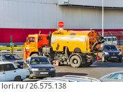 Вакуумная подметально-уборочная машина BUCHER CityFant 6000 (2014 год). Редакционное фото, фотограф Алёшина Оксана / Фотобанк Лори