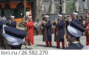 Купить «ISTANBUL, TURKEY, JUNE 3 2017: Street performance by National theater group», видеоролик № 26582270, снято 3 июня 2017 г. (c) Илья Насакин / Фотобанк Лори