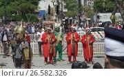 Купить «ISTANBUL, TURKEY, JUNE 3 2017: Street performance by National theater group», видеоролик № 26582326, снято 3 июня 2017 г. (c) Илья Насакин / Фотобанк Лори