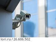 Купить «CCTV outdoor camera on a wall», фото № 26606502, снято 20 января 2020 г. (c) Антон Гвоздиков / Фотобанк Лори