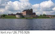 Купить «Панорама озера Ванаявеси с крепостью облачным днем. Хамеенлинна, Финляндия», видеоролик № 26710926, снято 9 июня 2017 г. (c) Виктор Карасев / Фотобанк Лори