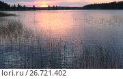 Июньский закат на озере Туунансалми. Финляндия (2017 год). Стоковое видео, видеограф Виктор Карасев / Фотобанк Лори
