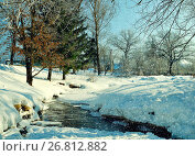 Winter landscape in sunny weather- winter view of rural houses with stream and winter snowdrifts on the foreground, фото № 26812882, снято 16 февраля 2010 г. (c) Зезелина Марина / Фотобанк Лори