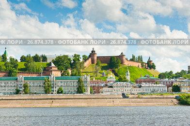 Нижний Новгород. Вид со стороны реки. Летний солнечный день. Россия