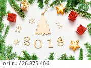 New Year 2018 background with 2018 figures,Christmas toys, fir branches - New Year 2018 composition, фото № 26875406, снято 30 ноября 2016 г. (c) Зезелина Марина / Фотобанк Лори