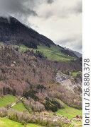 Купить «Rural Swiss landscape. Lungern village», фото № 26880378, снято 7 мая 2017 г. (c) EugeneSergeev / Фотобанк Лори