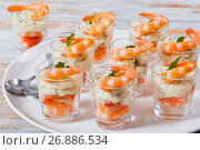 Купить «individual Cocktail Shrimp Shooters with spicy sauce», фото № 26886534, снято 25 февраля 2020 г. (c) Oksana Zh / Фотобанк Лори