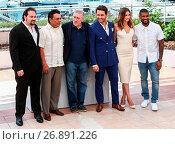 Купить «69th Cannes Film Festival - 'Hands of Stone' - Photocall Featuring: Jonathan Jakubowicz, Roberto Duran, Robert De Niro, Edgar Ramirez, Ana De Armas, Usher...», фото № 26891226, снято 16 мая 2016 г. (c) age Fotostock / Фотобанк Лори
