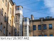 Купить «Typical houses of old St. Petersburg, Russia», фото № 26907442, снято 19 марта 2015 г. (c) EugeneSergeev / Фотобанк Лори