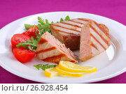 Купить «tasty grilled tuna steak with salad», фото № 26928454, снято 18 августа 2018 г. (c) Oksana Zh / Фотобанк Лори