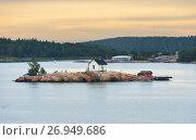 Купить «Rocky island in archipelago of Turku, Finland. Dawn», фото № 26949686, снято 2 сентября 2017 г. (c) Валерия Попова / Фотобанк Лори