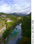 Каньон реки Морача, Черногория (2017 год). Стоковое фото, фотограф Ольга Коцюба / Фотобанк Лори