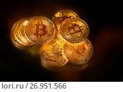 Купить «Золотые монеты криптовалюты Биткоин на черном фоне», фото № 26951566, снято 16 сентября 2017 г. (c) Николай Винокуров / Фотобанк Лори