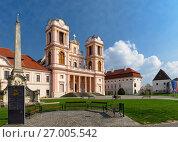 Купить «Бенедиктинский монастырь Гёттвайг (Stift Göttweig) близ города Кремз. Нижняя Австрия.», фото № 27005542, снято 3 апреля 2017 г. (c) Bala-Kate / Фотобанк Лори