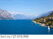 Купить «Озеро Гарда. Мальчезине. Италия», фото № 27010890, снято 5 сентября 2017 г. (c) Сергей Афанасьев / Фотобанк Лори