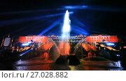 """Купить «Праздник фонтанов """"Хождение за три моря"""". Вид на фонтан """"Самсон"""" и Большой дворец. Петергоф», эксклюзивный видеоролик № 27028882, снято 16 сентября 2017 г. (c) Литвяк Игорь / Фотобанк Лори"""