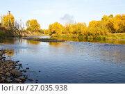 Река Ушаковка, притока Ангары в городе Иркутске. Осень. Стоковое фото, фотограф Момотюк Сергей / Фотобанк Лори