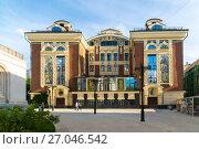 Moscow, Russia - July 24. 2017. Sretensky Theological Seminary on Bolshaya Lubyanka street. Редакционное фото, фотограф Володина Ольга / Фотобанк Лори