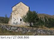 Купить «Старая церковь в грузинской деревне», фото № 27068866, снято 20 сентября 2017 г. (c) Яна Королёва / Фотобанк Лори