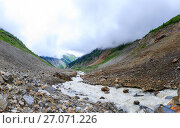 Купить «River near Chalaadi glacier in Caucasus mountains», фото № 27071226, снято 27 марта 2019 г. (c) Mikhail Starodubov / Фотобанк Лори