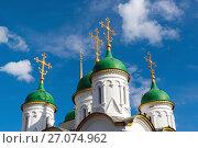Купить «Domes of Church of Life-giving Trinity in Leafs in Moscow, Russia», фото № 27074962, снято 24 июля 2017 г. (c) Володина Ольга / Фотобанк Лори