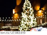 Купить «christmas market at tallinn old town hall square», фото № 27083610, снято 1 декабря 2016 г. (c) Syda Productions / Фотобанк Лори