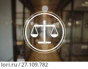 justice icon in office. Стоковое фото, агентство Wavebreak Media / Фотобанк Лори