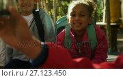Купить «Kids and teacher studying botany on a field trip 4k», видеоролик № 27123450, снято 22 января 2018 г. (c) Wavebreak Media / Фотобанк Лори