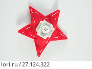 Купить «Handmade christmas star on white background», фото № 27124322, снято 8 июня 2017 г. (c) Wavebreak Media / Фотобанк Лори