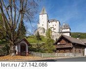 Замок Маутерндорф, построенный примерно в 1253. Федеральная земля Зальцбург, Австрия (2017 год). Стоковое фото, фотограф Bala-Kate / Фотобанк Лори