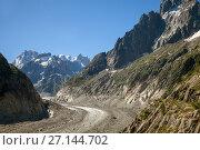 """Купить «Glacier """"Mer de Glace"""". Chamonix, France», фото № 27144702, снято 6 июля 2017 г. (c) Юлия Кузнецова / Фотобанк Лори"""